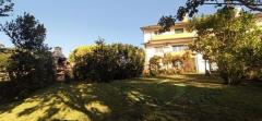 House with 3 bedroom in a quiet area, excellent sun exposure, 238 m2