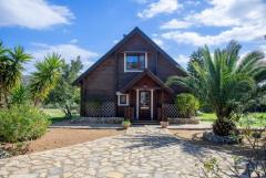 Beautiful Custom-built Scandinavian log cabin in Crete