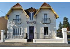 Dordogne Beautiful double fronted town house  for sale