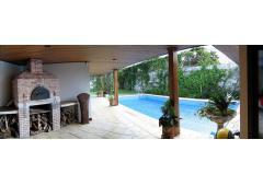 Maravillosa Casa con 4 Habitaciones, Piscina y Sauna en Pinares