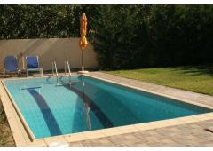 Detached 245m2 seaside house, with private swimmimg pool and garden