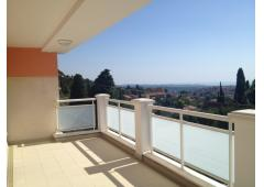 2 bedrooms apartment with panoramic view, in Vence