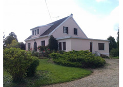Large property in small town next to 'Lac du Der