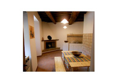 Apartment for short rental to artists