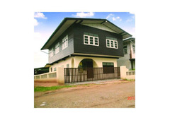 Single home 2 storey near the main road for sale