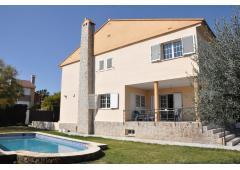 6-bed villa in Riba-roja de Turia (Valencia)