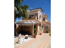 Villa 700 mts from lovely beaches of Mil Palmeras