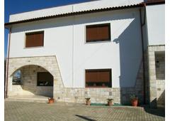 vendesi villa trifamiliare a 3 km dal mare