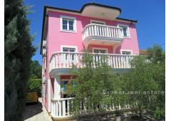 Villa more