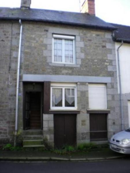 fully  renovated  Breton  town  house  for  sale 30 mms  from  ferry  and  airports!