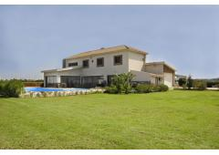 4 Bedroom Luxury Villa for Sale