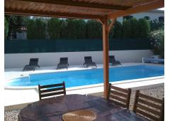 Poolside villa by Marseillan lagoon village & Port
