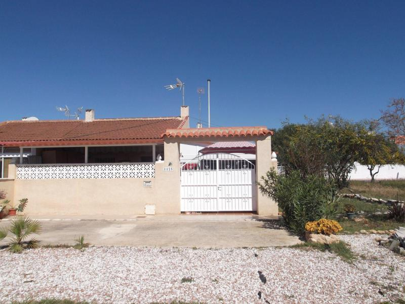 HOUSE FOR SALE IN TORREVIEJA 53.000€