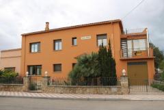 Beautiful Village House in idyllic location near River Ebro