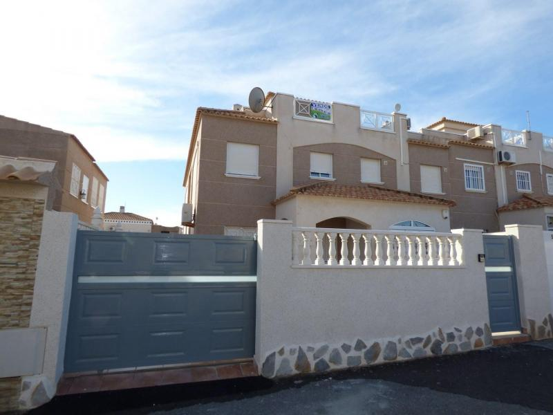 Semidetached house in Aguas Nuevas