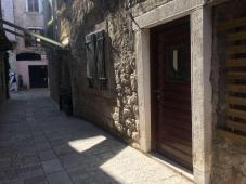 Business ofice, studio apartment and street locale suitable for shop/gallery in old town Poreč (Istr