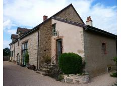 295m2 Burgundy Farmhouse with heated swimming pool