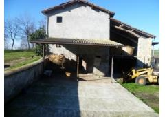 Property Farmhouse and COUNTRY HOUSE in Italy CANOSSA for Bed and Breakfast or Farm 25 acres land