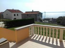 House with three apartments 50 m from the sea