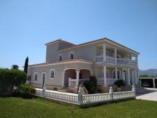Magnificent villa with guest house close to Denia